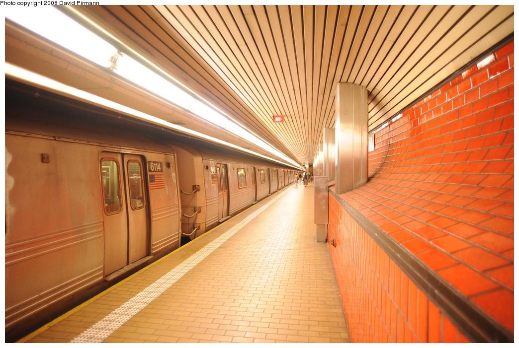 (285k, 1044x701)<br><b>Country:</b> United States<br><b>City:</b> New York<br><b>System:</b> New York City Transit<br><b>Line:</b> IND 63rd Street<br><b>Location:</b> Lexington Avenue-63rd Street <br><b>Route:</b> F<br><b>Car:</b> R-46 (Pullman-Standard, 1974-75) 6115 <br><b>Photo by:</b> David Pirmann<br><b>Date:</b> 8/27/2008<br><b>Viewed (this week/total):</b> 3 / 2986