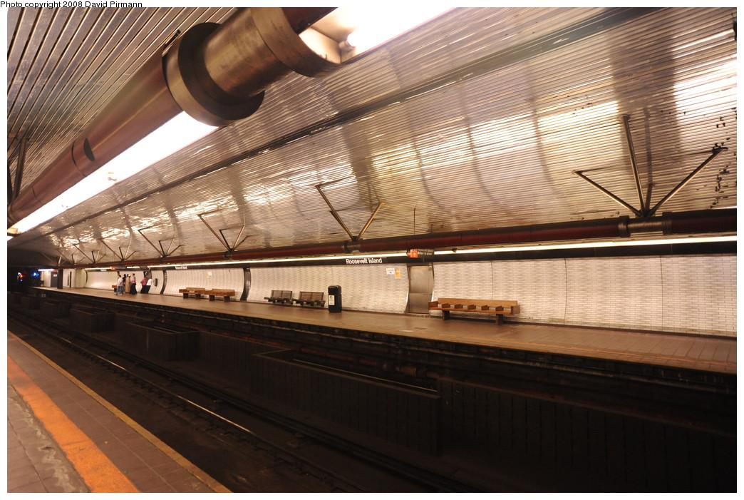 (284k, 1044x701)<br><b>Country:</b> United States<br><b>City:</b> New York<br><b>System:</b> New York City Transit<br><b>Line:</b> IND 63rd Street<br><b>Location:</b> Roosevelt Island <br><b>Photo by:</b> David Pirmann<br><b>Date:</b> 8/27/2008<br><b>Viewed (this week/total):</b> 0 / 1567