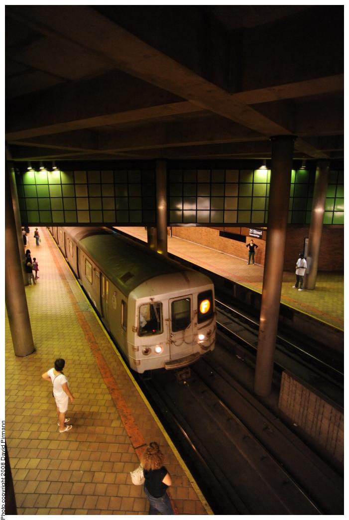 (223k, 701x1044)<br><b>Country:</b> United States<br><b>City:</b> New York<br><b>System:</b> New York City Transit<br><b>Line:</b> IND 63rd Street<br><b>Location:</b> 21st Street/Queensbridge <br><b>Route:</b> F<br><b>Car:</b> R-46 (Pullman-Standard, 1974-75) 5778 <br><b>Photo by:</b> David Pirmann<br><b>Date:</b> 8/27/2008<br><b>Viewed (this week/total):</b> 4 / 2587