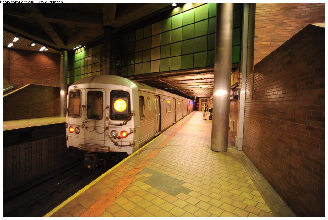 (246k, 1044x701)<br><b>Country:</b> United States<br><b>City:</b> New York<br><b>System:</b> New York City Transit<br><b>Line:</b> IND 63rd Street<br><b>Location:</b> 21st Street/Queensbridge <br><b>Route:</b> F<br><b>Car:</b> R-46 (Pullman-Standard, 1974-75) 5854 <br><b>Photo by:</b> David Pirmann<br><b>Date:</b> 8/27/2008<br><b>Viewed (this week/total):</b> 4 / 2535