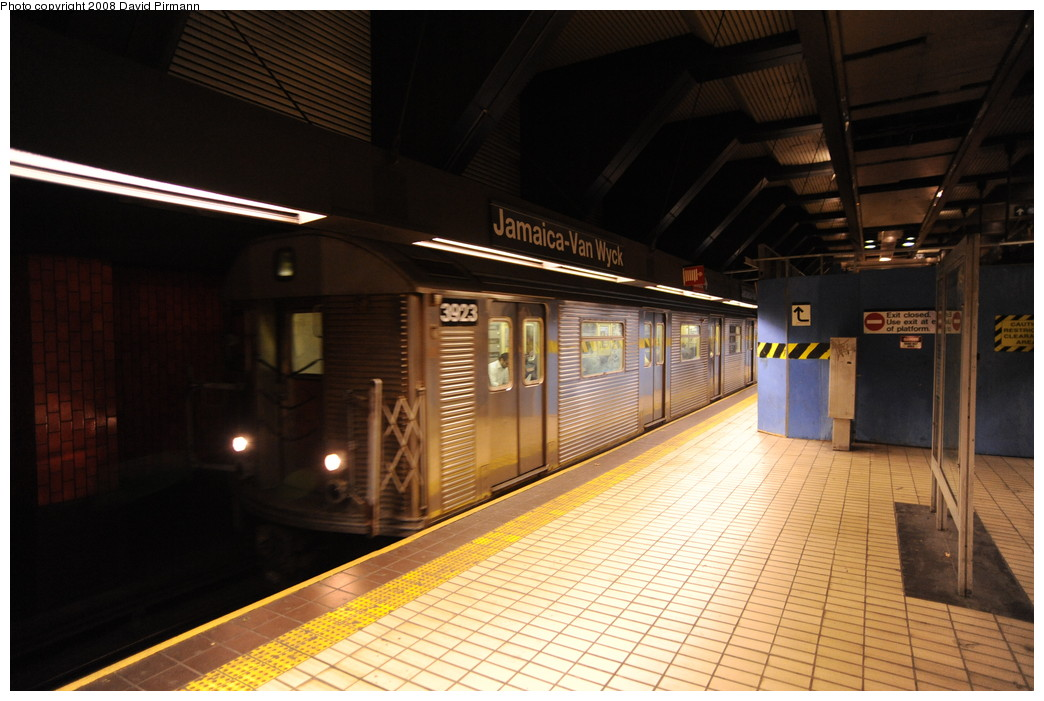 (243k, 1044x701)<br><b>Country:</b> United States<br><b>City:</b> New York<br><b>System:</b> New York City Transit<br><b>Line:</b> IND Queens Boulevard Line<br><b>Location:</b> Jamaica/Van Wyck <br><b>Route:</b> E<br><b>Car:</b> R-32 (Budd, 1964)  3923 <br><b>Photo by:</b> David Pirmann<br><b>Date:</b> 8/27/2008<br><b>Viewed (this week/total):</b> 7 / 2092