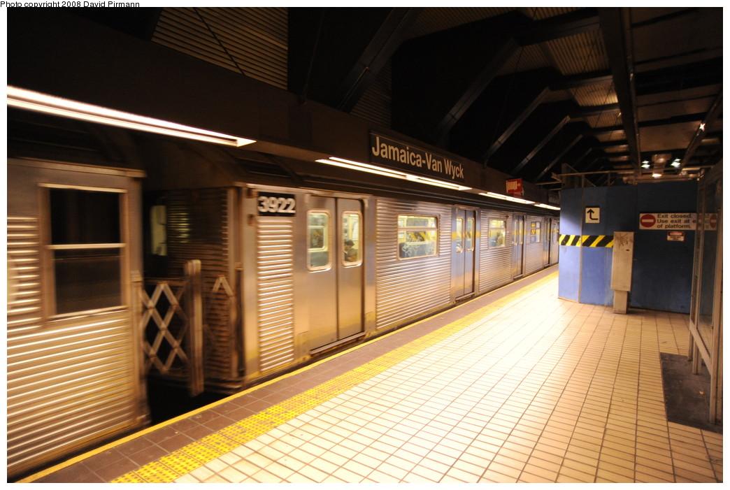 (265k, 1044x701)<br><b>Country:</b> United States<br><b>City:</b> New York<br><b>System:</b> New York City Transit<br><b>Line:</b> IND Queens Boulevard Line<br><b>Location:</b> Jamaica/Van Wyck <br><b>Route:</b> E<br><b>Car:</b> R-32 (Budd, 1964)  3922 <br><b>Photo by:</b> David Pirmann<br><b>Date:</b> 8/27/2008<br><b>Viewed (this week/total):</b> 2 / 1437