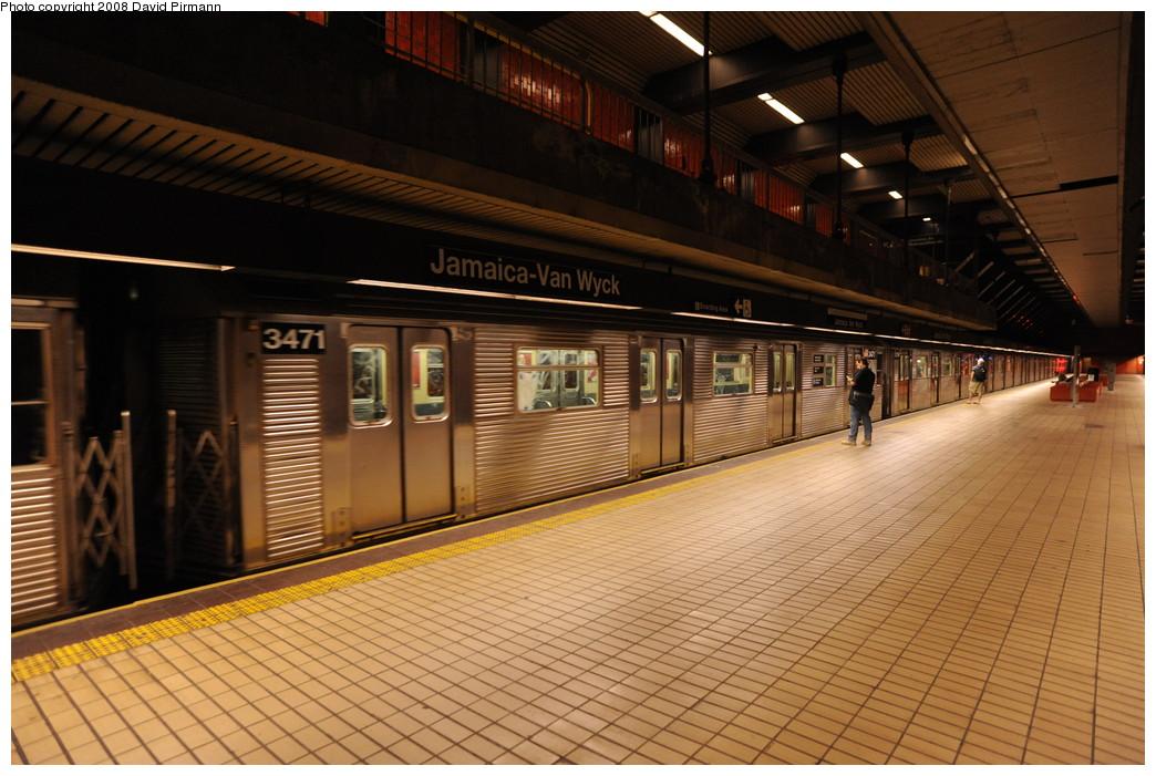 (267k, 1044x701)<br><b>Country:</b> United States<br><b>City:</b> New York<br><b>System:</b> New York City Transit<br><b>Line:</b> IND Queens Boulevard Line<br><b>Location:</b> Jamaica/Van Wyck <br><b>Route:</b> E<br><b>Car:</b> R-32 (Budd, 1964)  3471 <br><b>Photo by:</b> David Pirmann<br><b>Date:</b> 8/27/2008<br><b>Viewed (this week/total):</b> 0 / 1749