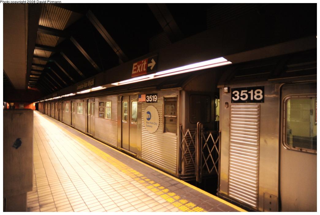 (237k, 1044x701)<br><b>Country:</b> United States<br><b>City:</b> New York<br><b>System:</b> New York City Transit<br><b>Line:</b> IND Queens Boulevard Line<br><b>Location:</b> Jamaica/Van Wyck <br><b>Route:</b> E<br><b>Car:</b> R-32 (Budd, 1964)  3519 <br><b>Photo by:</b> David Pirmann<br><b>Date:</b> 8/27/2008<br><b>Viewed (this week/total):</b> 0 / 1508