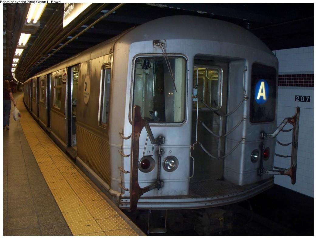 (192k, 1044x788)<br><b>Country:</b> United States<br><b>City:</b> New York<br><b>System:</b> New York City Transit<br><b>Line:</b> IND 8th Avenue Line<br><b>Location:</b> 207th Street <br><b>Route:</b> A<br><b>Car:</b> R-40M (St. Louis, 1969)  4505 <br><b>Photo by:</b> Glenn L. Rowe<br><b>Date:</b> 8/27/2008<br><b>Viewed (this week/total):</b> 0 / 1141