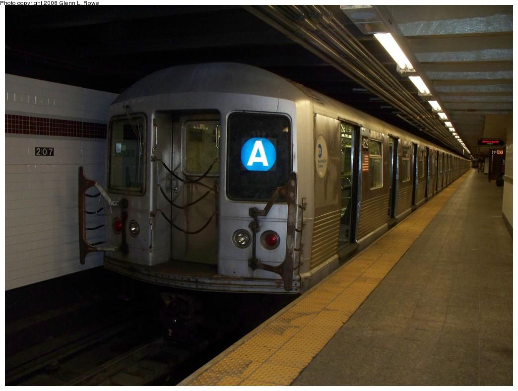 (173k, 1044x788)<br><b>Country:</b> United States<br><b>City:</b> New York<br><b>System:</b> New York City Transit<br><b>Line:</b> IND 8th Avenue Line<br><b>Location:</b> 207th Street <br><b>Route:</b> A<br><b>Car:</b> R-42 (St. Louis, 1969-1970)  4629 <br><b>Photo by:</b> Glenn L. Rowe<br><b>Date:</b> 8/27/2008<br><b>Viewed (this week/total):</b> 2 / 1177
