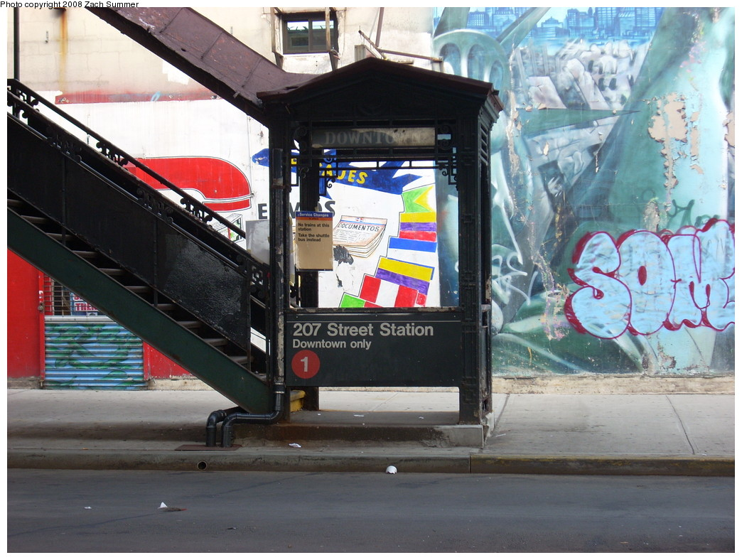 (269k, 1044x788)<br><b>Country:</b> United States<br><b>City:</b> New York<br><b>System:</b> New York City Transit<br><b>Line:</b> IRT West Side Line<br><b>Location:</b> 207th Street <br><b>Photo by:</b> Zach Summer<br><b>Date:</b> 7/19/2008<br><b>Notes:</b> Station entrance, downtown side.<br><b>Viewed (this week/total):</b> 3 / 1904