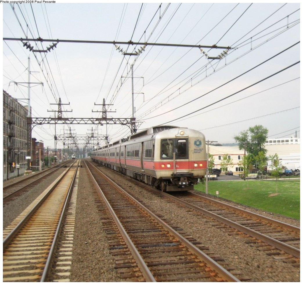(256k, 1044x985)<br><b>Country:</b> United States<br><b>System:</b> Metro-North Railroad (or Amtrak or Predecessor RR)<br><b>Line:</b> Metro North-New Haven Line<br><b>Location:</b> Bridgeport <br><b>Car:</b> MNRR M-2 EMU (GE/Vickers)  <br><b>Photo by:</b> Paul Pesante<br><b>Date:</b> 8/14/2008<br><b>Notes:</b> M-2s on the east end and middle with M-6s on the west end as Train 1539 works its way west on Track 3 west of CP 255 and the famous Jenkins Curve in Bridgeport, CT. Reminder, the photographer is a railroad employee and wants to remind everyone, do not enter restricted areas!<br><b>Viewed (this week/total):</b> 2 / 753