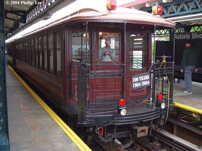 (117k, 800x600)<br><b>Country:</b> United States<br><b>City:</b> New York<br><b>System:</b> New York City Transit<br><b>Line:</b> BMT Astoria Line<br><b>Location:</b> Astoria Boulevard/Hoyt Avenue <br><b>Route:</b> Fan Trip<br><b>Car:</b> BMT Elevated Gate Car 1404-1273-1407 <br><b>Photo by:</b> Phillip Lee<br><b>Date:</b> 10/29/2004<br><b>Viewed (this week/total):</b> 1 / 1342