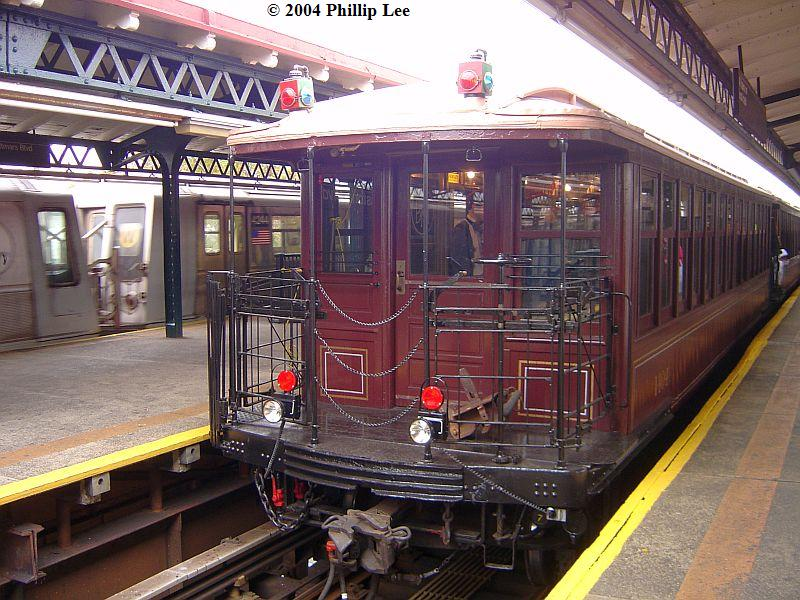 (116k, 800x600)<br><b>Country:</b> United States<br><b>City:</b> New York<br><b>System:</b> New York City Transit<br><b>Line:</b> BMT Astoria Line<br><b>Location:</b> Astoria Boulevard/Hoyt Avenue <br><b>Route:</b> Fan Trip<br><b>Car:</b> BMT Elevated Gate Car 1404-1273-1407 <br><b>Photo by:</b> Phillip Lee<br><b>Date:</b> 10/29/2004<br><b>Viewed (this week/total):</b> 0 / 1384