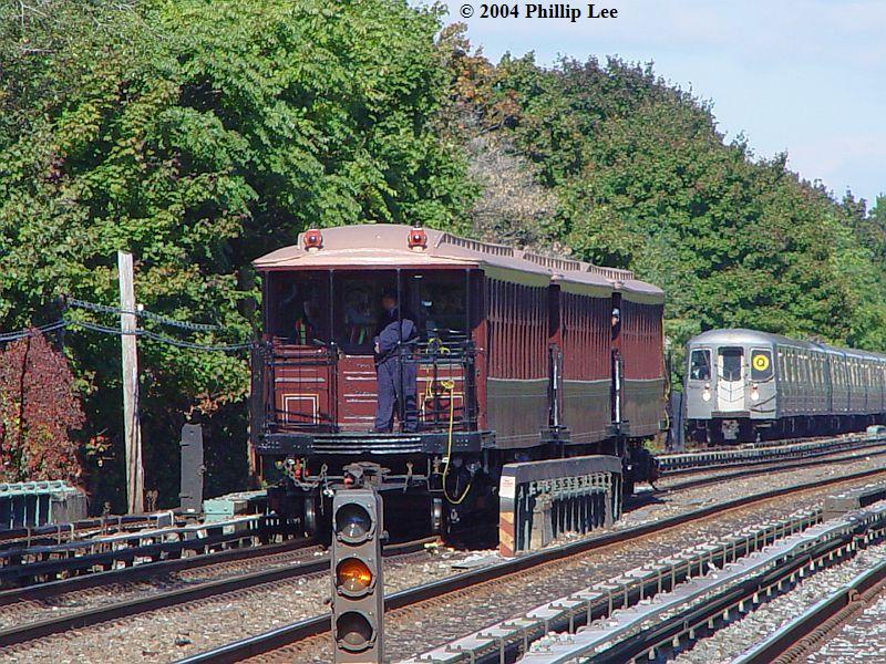 (158k, 800x600)<br><b>Country:</b> United States<br><b>City:</b> New York<br><b>System:</b> New York City Transit<br><b>Line:</b> BMT Brighton Line<br><b>Location:</b> Avenue U <br><b>Route:</b> Fan Trip<br><b>Car:</b> BMT Elevated Gate Car 1404-1273-1407 <br><b>Photo by:</b> Phillip Lee<br><b>Date:</b> 10/23/2004<br><b>Viewed (this week/total):</b> 1 / 1377