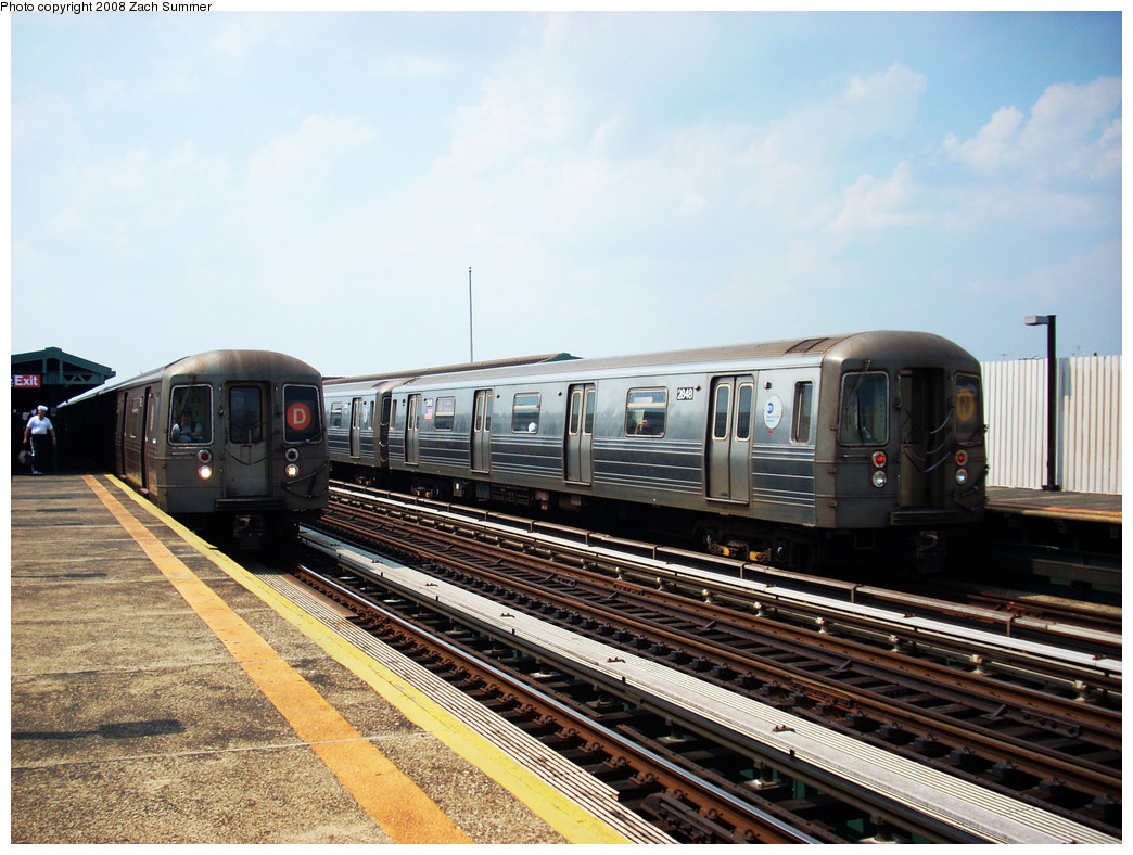 (287k, 1044x788)<br><b>Country:</b> United States<br><b>City:</b> New York<br><b>System:</b> New York City Transit<br><b>Line:</b> BMT West End Line<br><b>Location:</b> 20th Avenue <br><b>Route:</b> D/N reroute<br><b>Car:</b> R-68 (Westinghouse-Amrail, 1986-1988)  2682/2848 <br><b>Photo by:</b> Zach Summer<br><b>Date:</b> 7/20/2008<br><b>Viewed (this week/total):</b> 0 / 1748