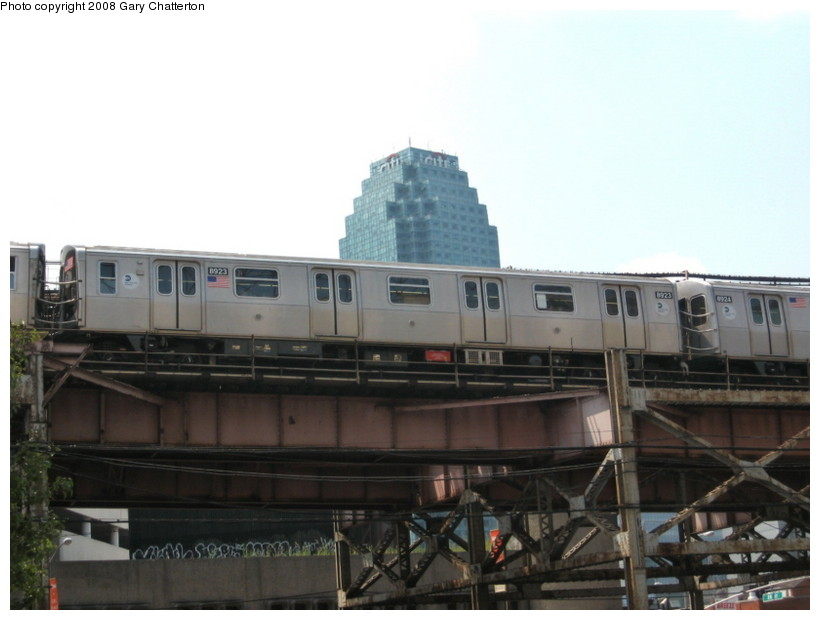 (95k, 820x620)<br><b>Country:</b> United States<br><b>City:</b> New York<br><b>System:</b> New York City Transit<br><b>Line:</b> BMT Astoria Line<br><b>Location:</b> Queensborough Plaza <br><b>Route:</b> N<br><b>Car:</b> R-160B (Kawasaki, 2005-2008)  8923 <br><b>Photo by:</b> Gary Chatterton<br><b>Date:</b> 8/14/2008<br><b>Viewed (this week/total):</b> 0 / 2754