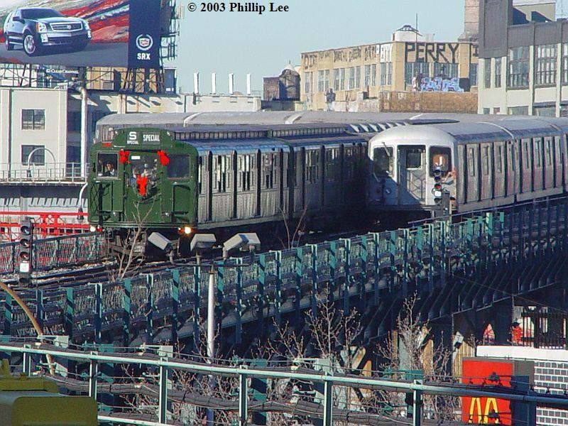 (135k, 800x600)<br><b>Country:</b> United States<br><b>City:</b> New York<br><b>System:</b> New York City Transit<br><b>Line:</b> BMT Nassau Street/Jamaica Line<br><b>Location:</b> Marcy Avenue <br><b>Route:</b> Fan Trip<br><b>Car:</b> R-4 (American Car & Foundry, 1932-1933) 484 <br><b>Photo by:</b> Phillip Lee<br><b>Date:</b> 12/28/2003<br><b>Viewed (this week/total):</b> 0 / 1629