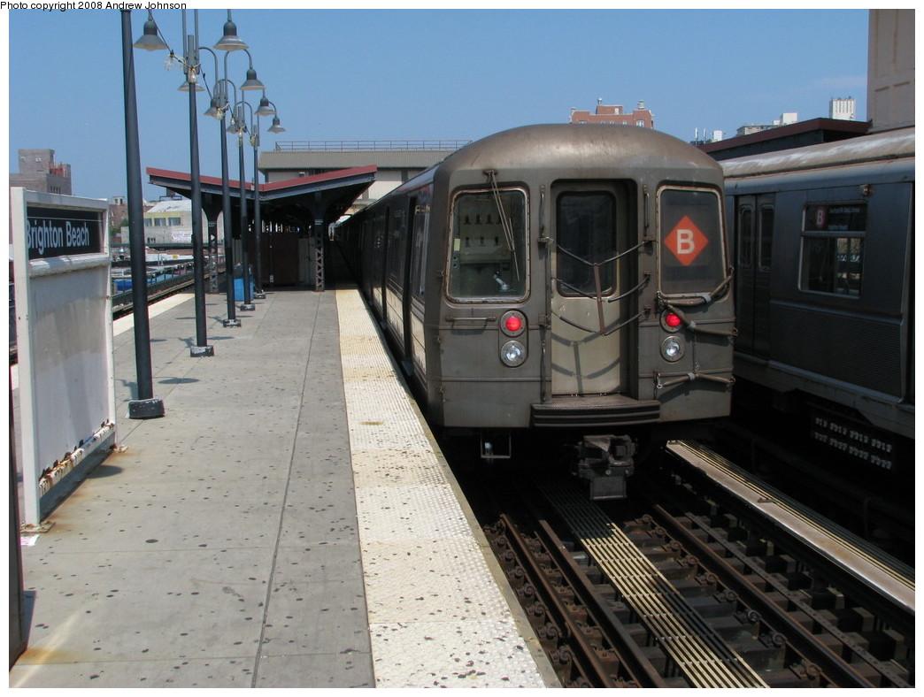 (216k, 1044x788)<br><b>Country:</b> United States<br><b>City:</b> New York<br><b>System:</b> New York City Transit<br><b>Line:</b> BMT Brighton Line<br><b>Location:</b> Brighton Beach <br><b>Route:</b> B<br><b>Car:</b> R-68 (Westinghouse-Amrail, 1986-1988)  2902 <br><b>Photo by:</b> Andrew Johnson<br><b>Date:</b> 7/8/2008<br><b>Viewed (this week/total):</b> 0 / 2532