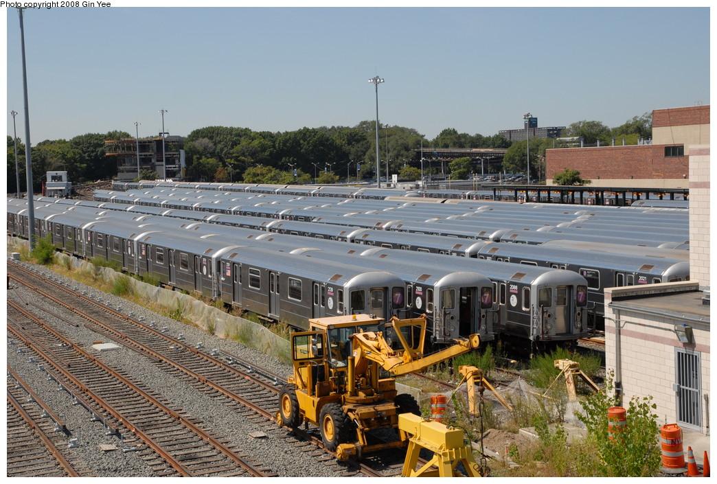 (293k, 1044x705)<br><b>Country:</b> United States<br><b>City:</b> New York<br><b>System:</b> New York City Transit<br><b>Location:</b> Corona Yard<br><b>Car:</b> R-62A (Bombardier, 1984-1987)  2139/2100/2088/2021 <br><b>Photo by:</b> Gin Yee<br><b>Date:</b> 9/2/2008<br><b>Viewed (this week/total):</b> 0 / 1593