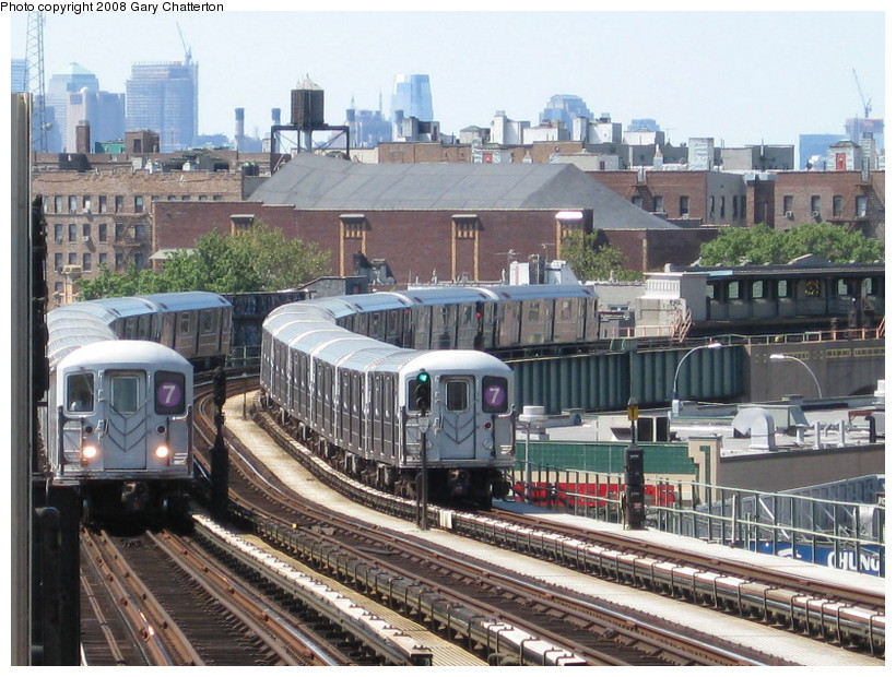 (177k, 820x620)<br><b>Country:</b> United States<br><b>City:</b> New York<br><b>System:</b> New York City Transit<br><b>Line:</b> IRT Flushing Line<br><b>Location:</b> 52nd Street/Lincoln Avenue <br><b>Route:</b> 7<br><b>Car:</b> R-62A (Bombardier, 1984-1987)  2139/2121 <br><b>Photo by:</b> Gary Chatterton<br><b>Date:</b> 8/31/2008<br><b>Viewed (this week/total):</b> 0 / 1890