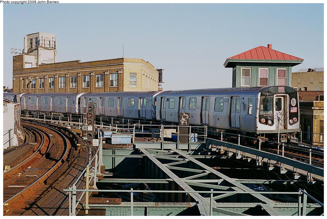 (333k, 1044x699)<br><b>Country:</b> United States<br><b>City:</b> New York<br><b>System:</b> New York City Transit<br><b>Line:</b> BMT Myrtle Avenue Line<br><b>Location:</b> Wyckoff Avenue <br><b>Route:</b> M<br><b>Car:</b> R-143 (Kawasaki, 2001-2002) 8193 <br><b>Photo by:</b> John Barnes<br><b>Date:</b> 11/9/2003<br><b>Viewed (this week/total):</b> 0 / 2300