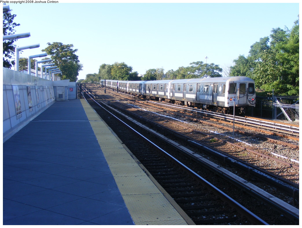 (260k, 1044x788)<br><b>Country:</b> United States<br><b>City:</b> New York<br><b>System:</b> New York City Transit<br><b>Line:</b> IND Rockaway<br><b>Location:</b> Howard Beach <br><b>Route:</b> A<br><b>Car:</b> R-44 (St. Louis, 1971-73)  <br><b>Photo by:</b> Joshua Cintron<br><b>Date:</b> 9/7/2008<br><b>Viewed (this week/total):</b> 1 / 1692