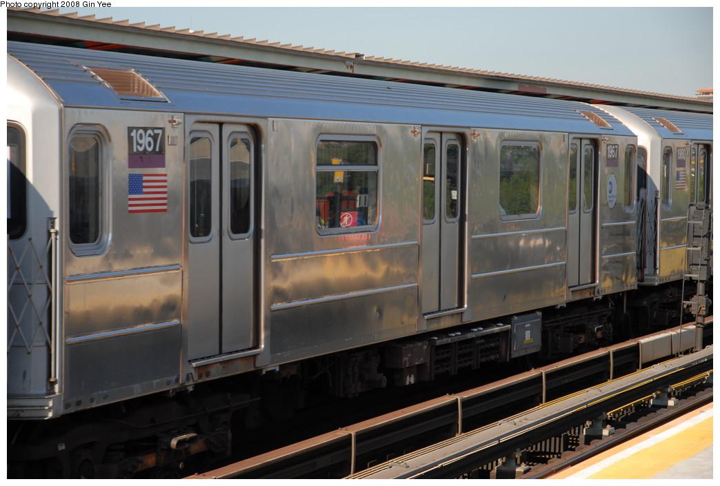 (208k, 1044x705)<br><b>Country:</b> United States<br><b>City:</b> New York<br><b>System:</b> New York City Transit<br><b>Line:</b> IRT Flushing Line<br><b>Location:</b> Willets Point/Mets (fmr. Shea Stadium) <br><b>Route:</b> 7<br><b>Car:</b> R-62A (Bombardier, 1984-1987)  1967 <br><b>Photo by:</b> Gin Yee<br><b>Date:</b> 9/8/2008<br><b>Viewed (this week/total):</b> 0 / 1203