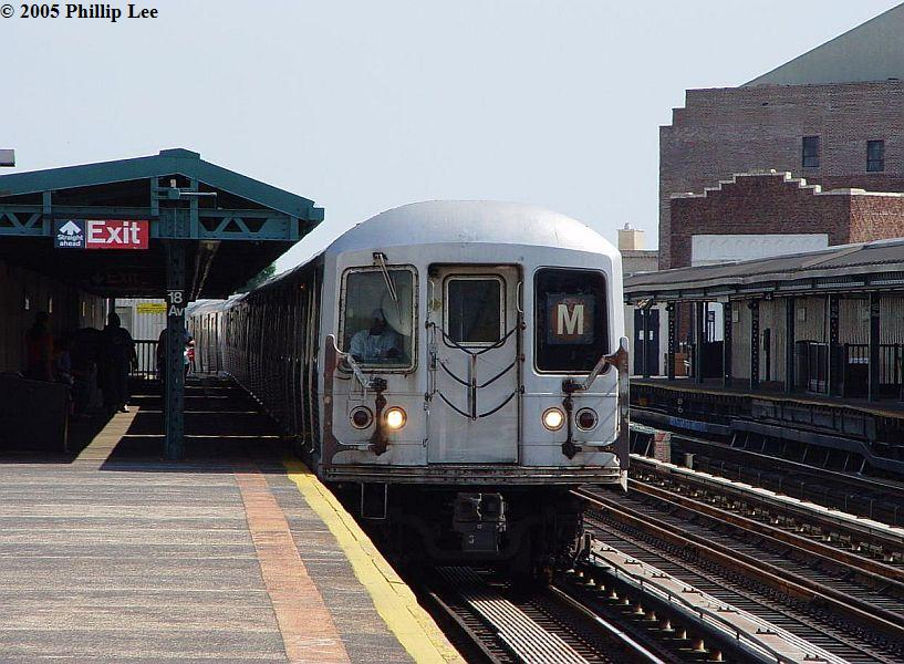 (102k, 817x600)<br><b>Country:</b> United States<br><b>City:</b> New York<br><b>System:</b> New York City Transit<br><b>Line:</b> BMT West End Line<br><b>Location:</b> 18th Avenue <br><b>Route:</b> M<br><b>Car:</b> R-42 (St. Louis, 1969-1970)   <br><b>Photo by:</b> Phillip Lee<br><b>Date:</b> 7/28/2005<br><b>Viewed (this week/total):</b> 0 / 1460