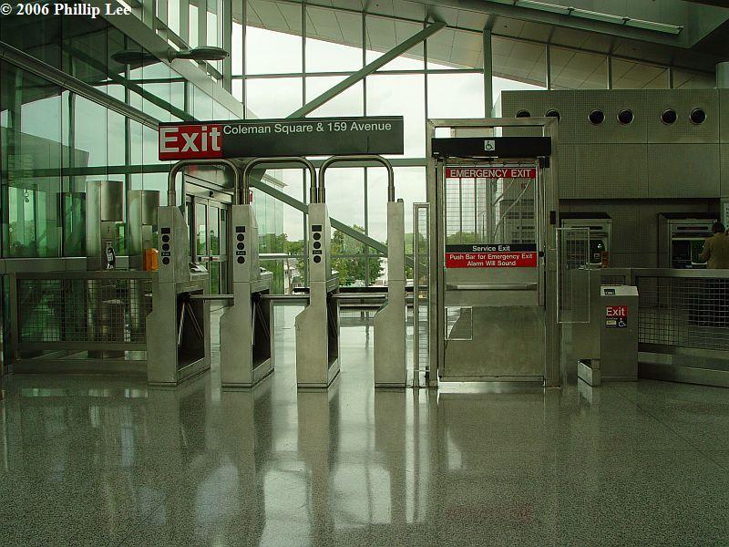 (108k, 800x600)<br><b>Country:</b> United States<br><b>City:</b> New York<br><b>System:</b> New York City Transit<br><b>Line:</b> IND Rockaway<br><b>Location:</b> Howard Beach <br><b>Photo by:</b> Phillip Lee<br><b>Date:</b> 9/13/2006<br><b>Viewed (this week/total):</b> 4 / 2074