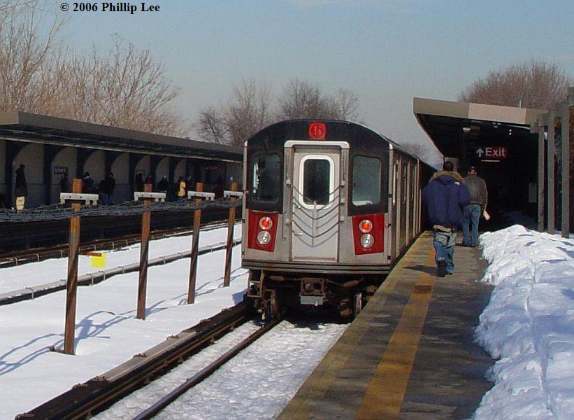(87k, 821x600)<br><b>Country:</b> United States<br><b>City:</b> New York<br><b>System:</b> New York City Transit<br><b>Line:</b> IRT Dyre Ave. Line<br><b>Location:</b> Baychester Avenue <br><b>Route:</b> 5<br><b>Car:</b> R-142 or R-142A (Number Unknown)  <br><b>Photo by:</b> Phillip Lee<br><b>Date:</b> 2/15/2006<br><b>Viewed (this week/total):</b> 0 / 2111