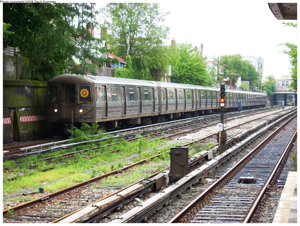 (452k, 1044x788)<br><b>Country:</b> United States<br><b>City:</b> New York<br><b>System:</b> New York City Transit<br><b>Line:</b> BMT Sea Beach Line<br><b>Location:</b> 86th Street <br><b>Route:</b> Q<br><b>Car:</b> R-68 (Westinghouse-Amrail, 1986-1988)  2872 <br><b>Photo by:</b> Zach Summer<br><b>Date:</b> 7/24/2008<br><b>Notes:</b> In Passenger Service; Re-Routed Via 4 Av & Sea Beach.<br><b>Viewed (this week/total):</b> 1 / 2010