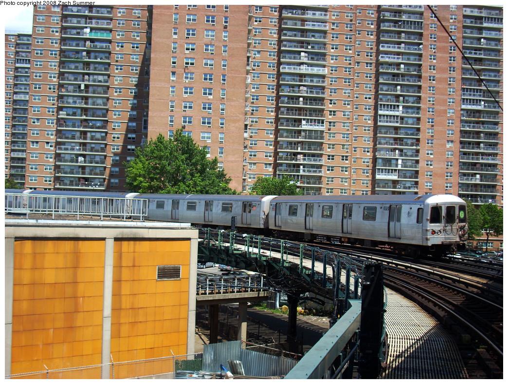 (422k, 1044x788)<br><b>Country:</b> United States<br><b>City:</b> New York<br><b>System:</b> New York City Transit<br><b>Line:</b> BMT Culver Line<br><b>Location:</b> West 8th Street <br><b>Route:</b> G<br><b>Car:</b> R-46 (Pullman-Standard, 1974-75) 5712 <br><b>Photo by:</b> Zach Summer<br><b>Date:</b> 8/3/2008<br><b>Viewed (this week/total):</b> 0 / 1548