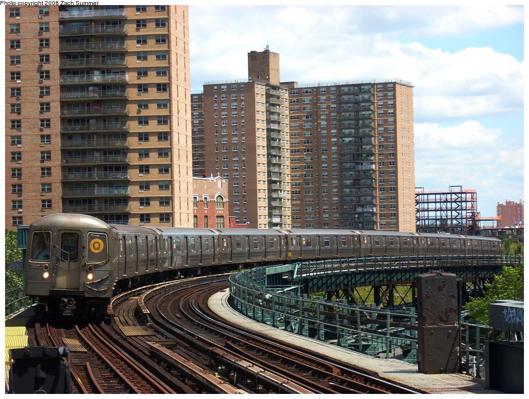 (369k, 1044x788)<br><b>Country:</b> United States<br><b>City:</b> New York<br><b>System:</b> New York City Transit<br><b>Line:</b> BMT Brighton Line<br><b>Location:</b> West 8th Street <br><b>Route:</b> Q<br><b>Car:</b> R-68A (Kawasaki, 1988-1989)  5200 <br><b>Photo by:</b> Zach Summer<br><b>Date:</b> 8/3/2008<br><b>Viewed (this week/total):</b> 0 / 1779