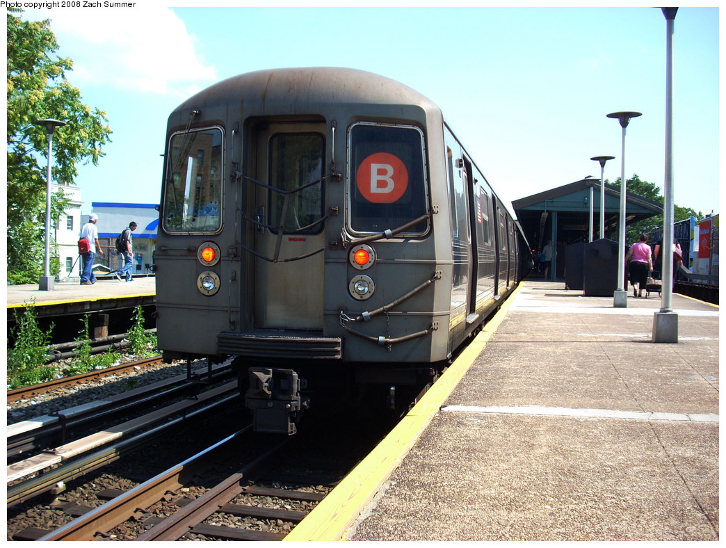 (331k, 1044x788)<br><b>Country:</b> United States<br><b>City:</b> New York<br><b>System:</b> New York City Transit<br><b>Line:</b> BMT Brighton Line<br><b>Location:</b> Kings Highway <br><b>Route:</b> B<br><b>Car:</b> R-68 (Westinghouse-Amrail, 1986-1988)  2854 <br><b>Photo by:</b> Zach Summer<br><b>Date:</b> 7/21/2008<br><b>Viewed (this week/total):</b> 0 / 1481