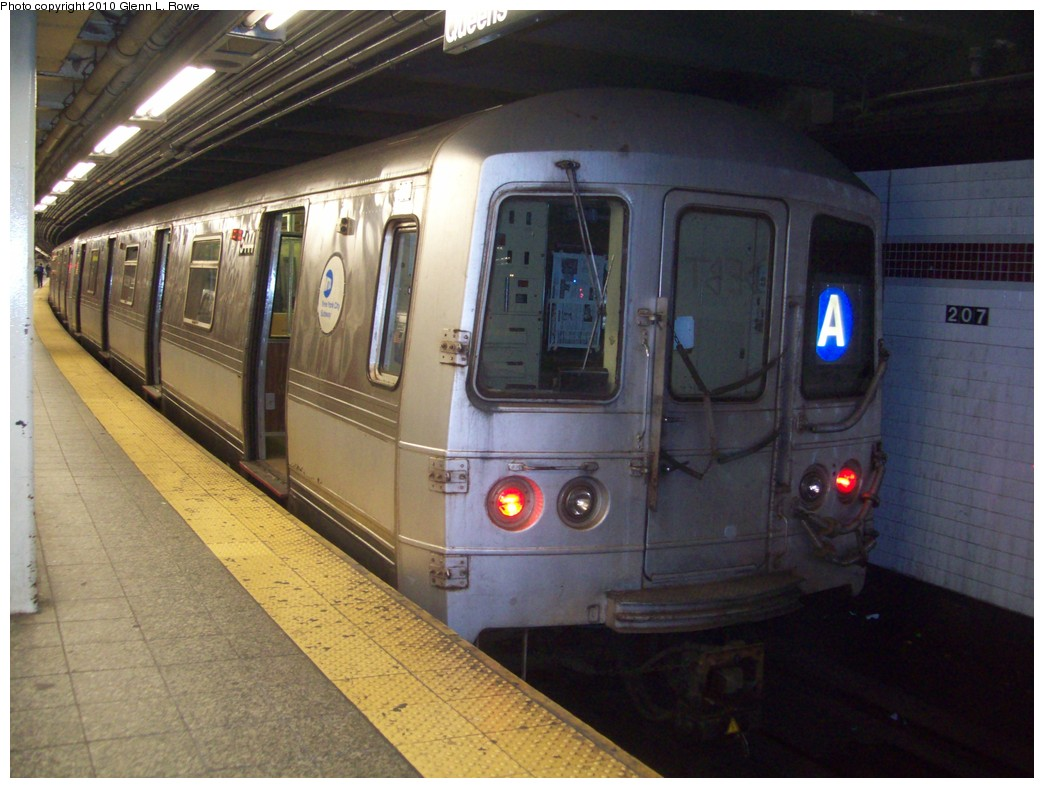 (204k, 1044x788)<br><b>Country:</b> United States<br><b>City:</b> New York<br><b>System:</b> New York City Transit<br><b>Line:</b> IND 8th Avenue Line<br><b>Location:</b> 207th Street <br><b>Route:</b> A<br><b>Car:</b> R-44 (St. Louis, 1971-73) 5444 <br><b>Photo by:</b> Glenn L. Rowe<br><b>Date:</b> 4/2/2010<br><b>Viewed (this week/total):</b> 2 / 915