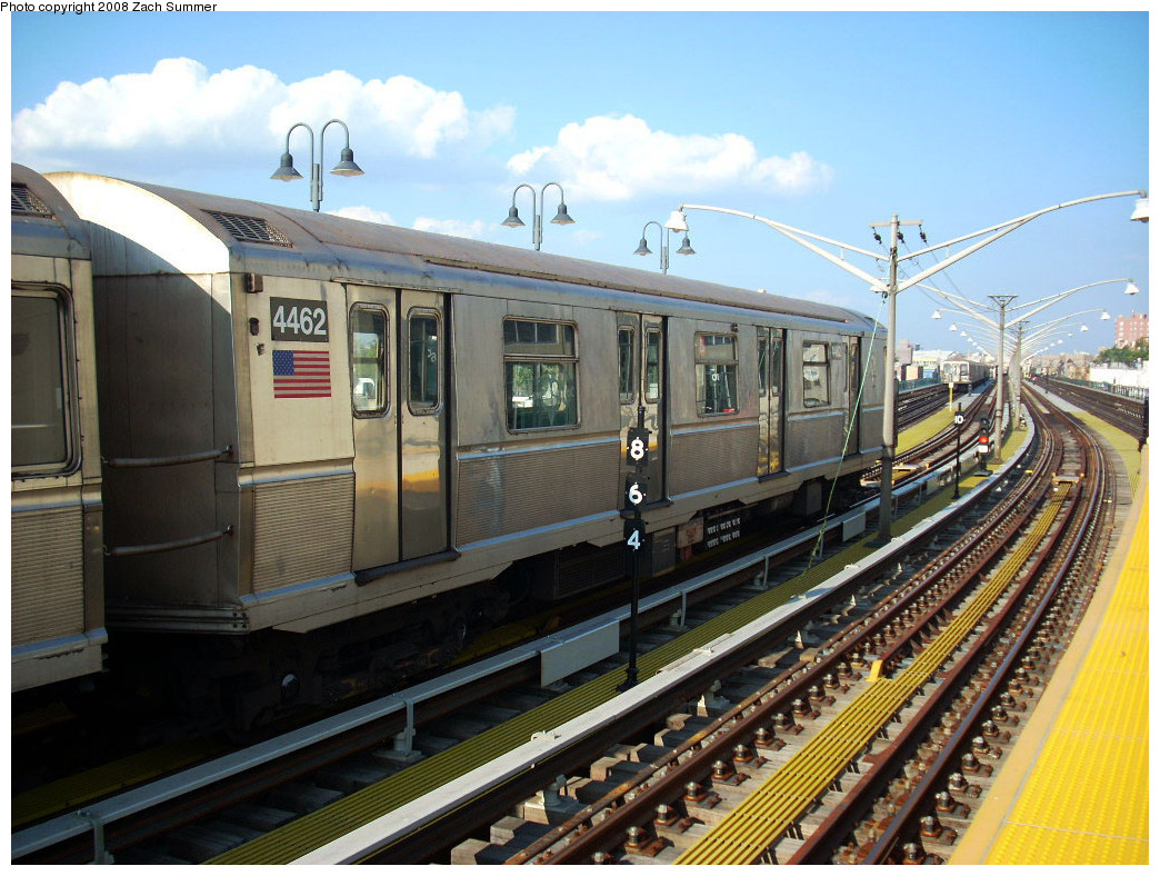 (302k, 1044x788)<br><b>Country:</b> United States<br><b>City:</b> New York<br><b>System:</b> New York City Transit<br><b>Line:</b> BMT Brighton Line<br><b>Location:</b> Ocean Parkway <br><b>Route:</b> B yard move<br><b>Car:</b> R-40M (St. Louis, 1969)  4462 <br><b>Photo by:</b> Zach Summer<br><b>Date:</b> 7/21/2008<br><b>Viewed (this week/total):</b> 2 / 1293