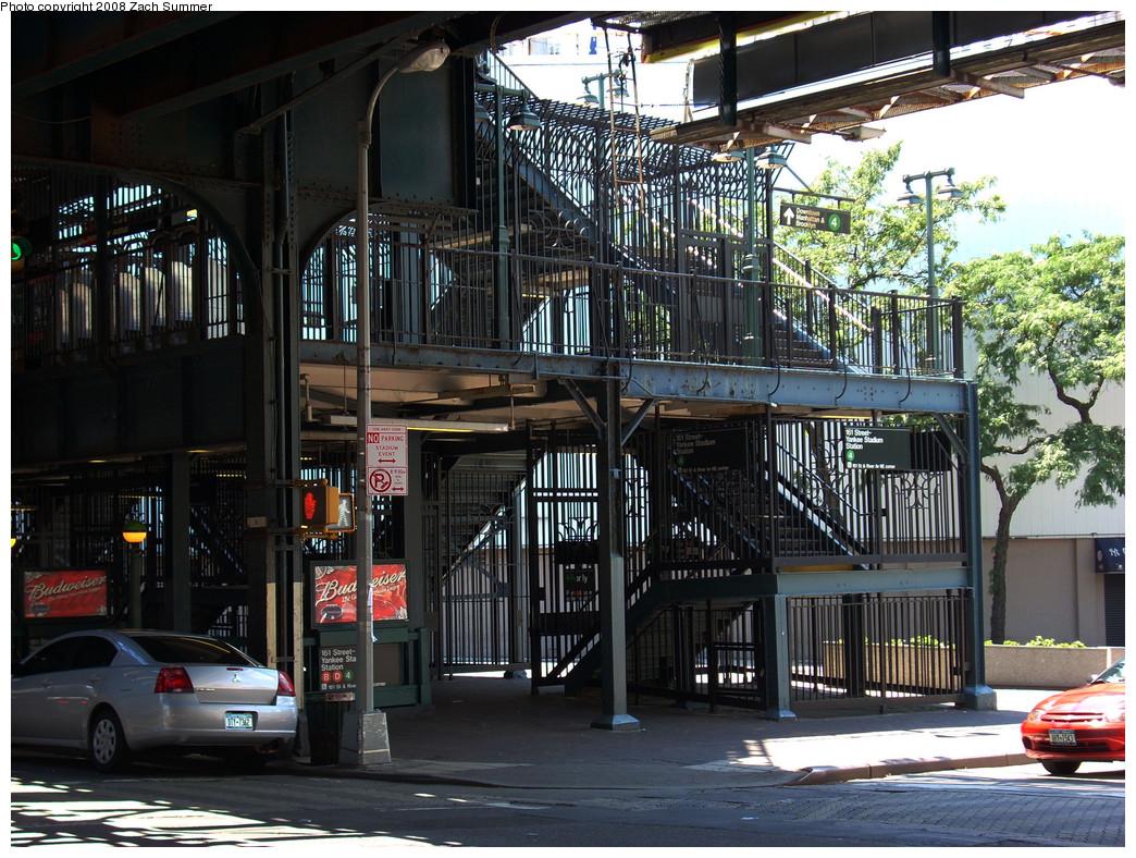 (351k, 1044x788)<br><b>Country:</b> United States<br><b>City:</b> New York<br><b>System:</b> New York City Transit<br><b>Line:</b> IRT Woodlawn Line<br><b>Location:</b> 161st Street/River Avenue (Yankee Stadium) <br><b>Photo by:</b> Zach Summer<br><b>Date:</b> 7/25/2008<br><b>Notes:</b> Station exit/entrance.<br><b>Viewed (this week/total):</b> 1 / 2091