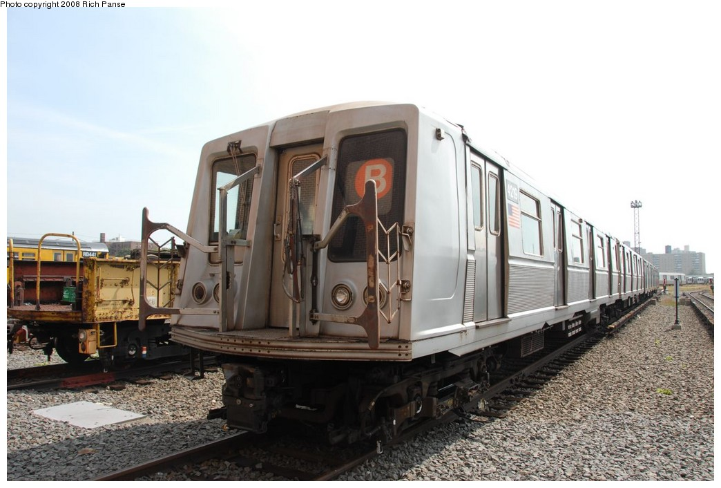 (199k, 1044x706)<br><b>Country:</b> United States<br><b>City:</b> New York<br><b>System:</b> New York City Transit<br><b>Location:</b> Coney Island Yard<br><b>Car:</b> R-40 (St. Louis, 1968)  4219 <br><b>Photo by:</b> Richard Panse<br><b>Date:</b> 9/13/2008<br><b>Viewed (this week/total):</b> 0 / 1418