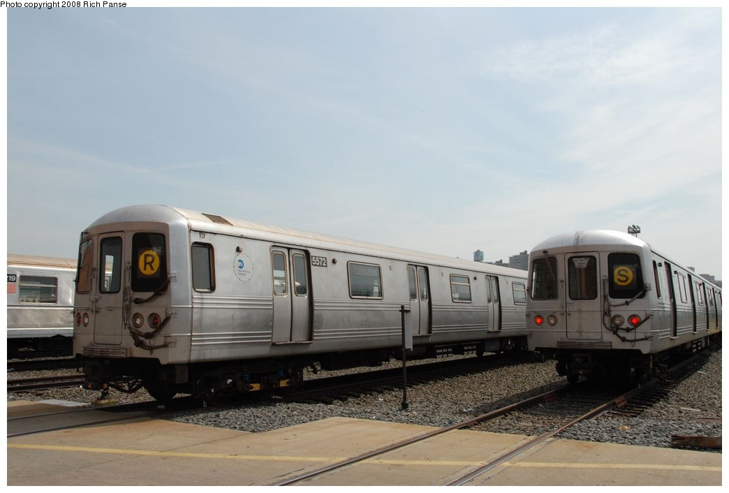 (158k, 1044x706)<br><b>Country:</b> United States<br><b>City:</b> New York<br><b>System:</b> New York City Transit<br><b>Location:</b> Coney Island Yard<br><b>Car:</b> R-46 (Pullman-Standard, 1974-75) 5572 <br><b>Photo by:</b> Richard Panse<br><b>Date:</b> 9/13/2008<br><b>Viewed (this week/total):</b> 0 / 1670