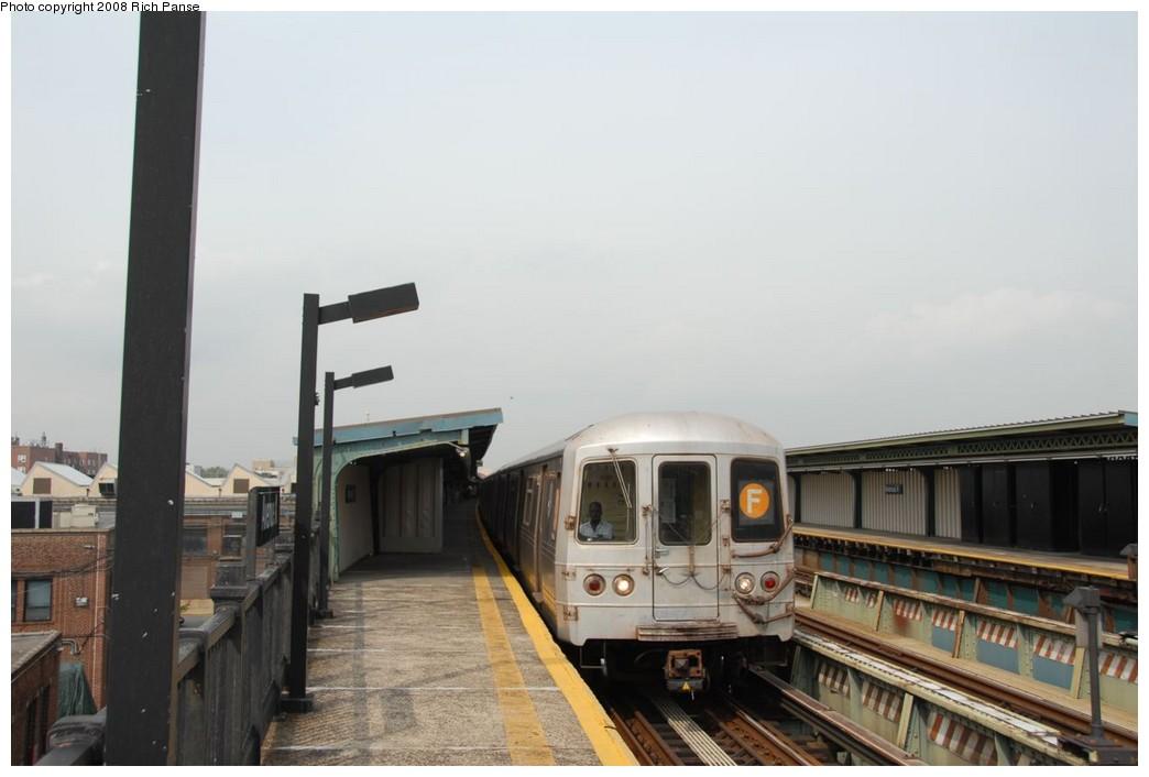(152k, 1044x706)<br><b>Country:</b> United States<br><b>City:</b> New York<br><b>System:</b> New York City Transit<br><b>Line:</b> BMT Culver Line<br><b>Location:</b> Avenue X <br><b>Route:</b> F<br><b>Car:</b> R-46 (Pullman-Standard, 1974-75) 5822 <br><b>Photo by:</b> Richard Panse<br><b>Date:</b> 9/13/2008<br><b>Viewed (this week/total):</b> 1 / 1058