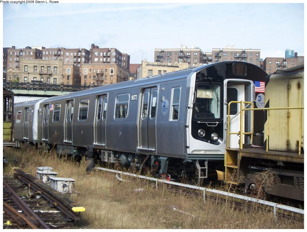 (249k, 1044x788)<br><b>Country:</b> United States<br><b>City:</b> New York<br><b>System:</b> New York City Transit<br><b>Location:</b> 207th Street Yard<br><b>Car:</b> R-160B (Option 1) (Kawasaki, 2008-2009)  9072 <br><b>Photo by:</b> Glenn L. Rowe<br><b>Date:</b> 10/1/2008<br><b>Viewed (this week/total):</b> 0 / 2936