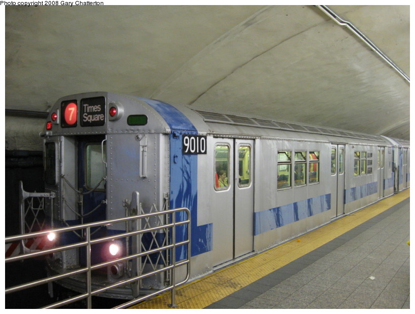 (123k, 820x620)<br><b>Country:</b> United States<br><b>City:</b> New York<br><b>System:</b> New York City Transit<br><b>Line:</b> IRT Flushing Line<br><b>Location:</b> Grand Central <br><b>Route:</b> Museum Train Service (7)<br><b>Car:</b> R-33 Main Line (St. Louis, 1962-63) 9010 <br><b>Photo by:</b> Gary Chatterton<br><b>Date:</b> 9/28/2008<br><b>Notes:</b> Shea Stadium closing day special<br><b>Viewed (this week/total):</b> 0 / 2473