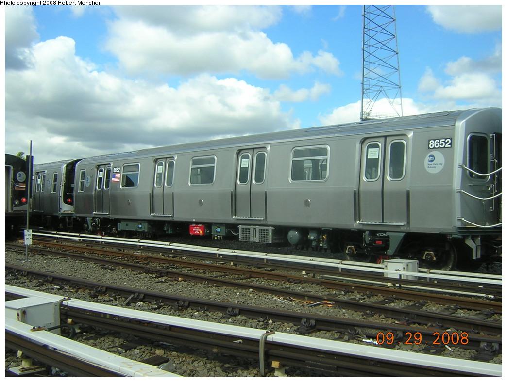(248k, 1044x788)<br><b>Country:</b> United States<br><b>City:</b> New York<br><b>System:</b> New York City Transit<br><b>Location:</b> East New York Yard/Shops<br><b>Car:</b> R-160A-1 (Alstom, 2005-2008, 4 car sets)  8552 <br><b>Photo by:</b> Robert Mencher<br><b>Date:</b> 9/29/2008<br><b>Viewed (this week/total):</b> 2 / 1199