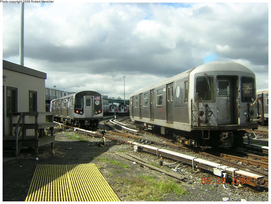 (269k, 1044x788)<br><b>Country:</b> United States<br><b>City:</b> New York<br><b>System:</b> New York City Transit<br><b>Location:</b> East New York Yard/Shops<br><b>Car:</b> R-42 (St. Louis, 1969-1970)  4785 <br><b>Photo by:</b> Robert Mencher<br><b>Date:</b> 9/29/2008<br><b>Viewed (this week/total):</b> 4 / 1232