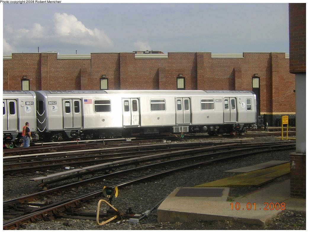 (253k, 1044x788)<br><b>Country:</b> United States<br><b>City:</b> New York<br><b>System:</b> New York City Transit<br><b>Location:</b> East New York Yard/Shops<br><b>Car:</b> R-160A-1 (Alstom, 2005-2008, 4 car sets)  8652 <br><b>Photo by:</b> Robert Mencher<br><b>Date:</b> 10/1/2008<br><b>Viewed (this week/total):</b> 3 / 1173