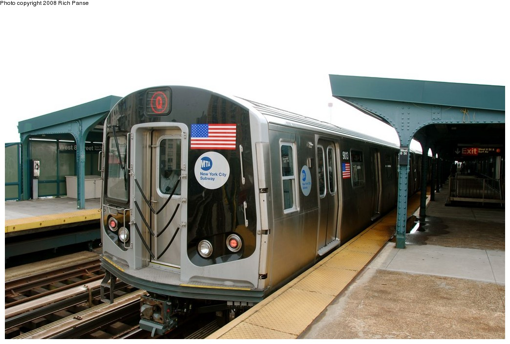 (160k, 1044x706)<br><b>Country:</b> United States<br><b>City:</b> New York<br><b>System:</b> New York City Transit<br><b>Line:</b> BMT Brighton Line<br><b>Location:</b> West 8th Street <br><b>Route:</b> Q<br><b>Car:</b> R-160B (Option 1) (Kawasaki, 2008-2009)  9013 <br><b>Photo by:</b> Richard Panse<br><b>Date:</b> 9/13/2008<br><b>Viewed (this week/total):</b> 0 / 2065