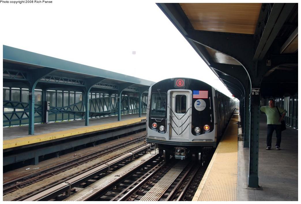 (165k, 1044x706)<br><b>Country:</b> United States<br><b>City:</b> New York<br><b>System:</b> New York City Transit<br><b>Line:</b> BMT Brighton Line<br><b>Location:</b> West 8th Street <br><b>Route:</b> Q<br><b>Car:</b> R-160B (Option 1) (Kawasaki, 2008-2009)  9013 <br><b>Photo by:</b> Richard Panse<br><b>Date:</b> 9/13/2008<br><b>Viewed (this week/total):</b> 0 / 1505