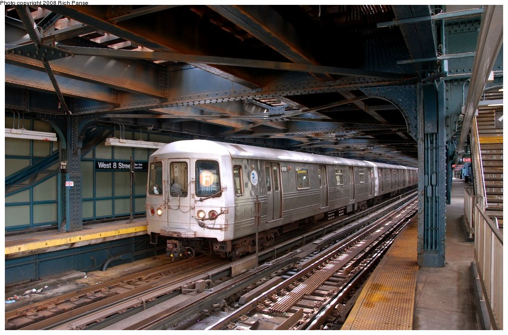 (224k, 1044x688)<br><b>Country:</b> United States<br><b>City:</b> New York<br><b>System:</b> New York City Transit<br><b>Line:</b> BMT Culver Line<br><b>Location:</b> West 8th Street <br><b>Route:</b> F<br><b>Car:</b> R-46 (Pullman-Standard, 1974-75) 6168 <br><b>Photo by:</b> Richard Panse<br><b>Date:</b> 9/13/2008<br><b>Viewed (this week/total):</b> 0 / 2048