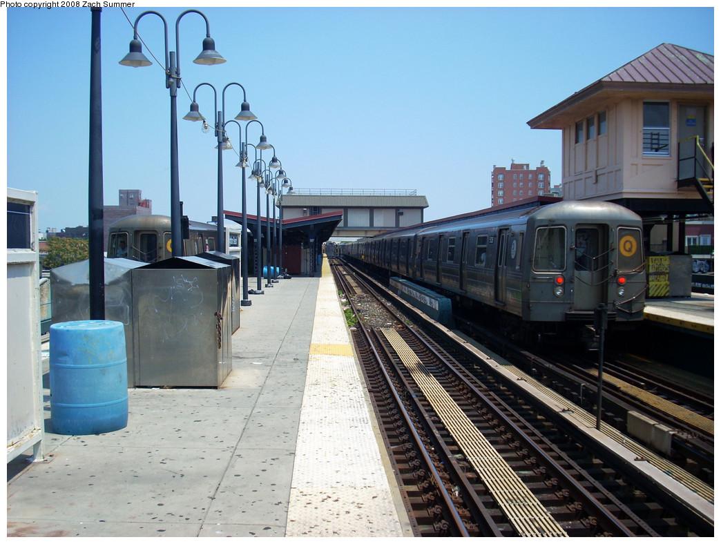 (277k, 1044x788)<br><b>Country:</b> United States<br><b>City:</b> New York<br><b>System:</b> New York City Transit<br><b>Line:</b> BMT Brighton Line<br><b>Location:</b> Brighton Beach <br><b>Route:</b> Q<br><b>Car:</b> R-68A (Kawasaki, 1988-1989)  5126 <br><b>Photo by:</b> Zach Summer<br><b>Date:</b> 7/26/2008<br><b>Viewed (this week/total):</b> 3 / 1178