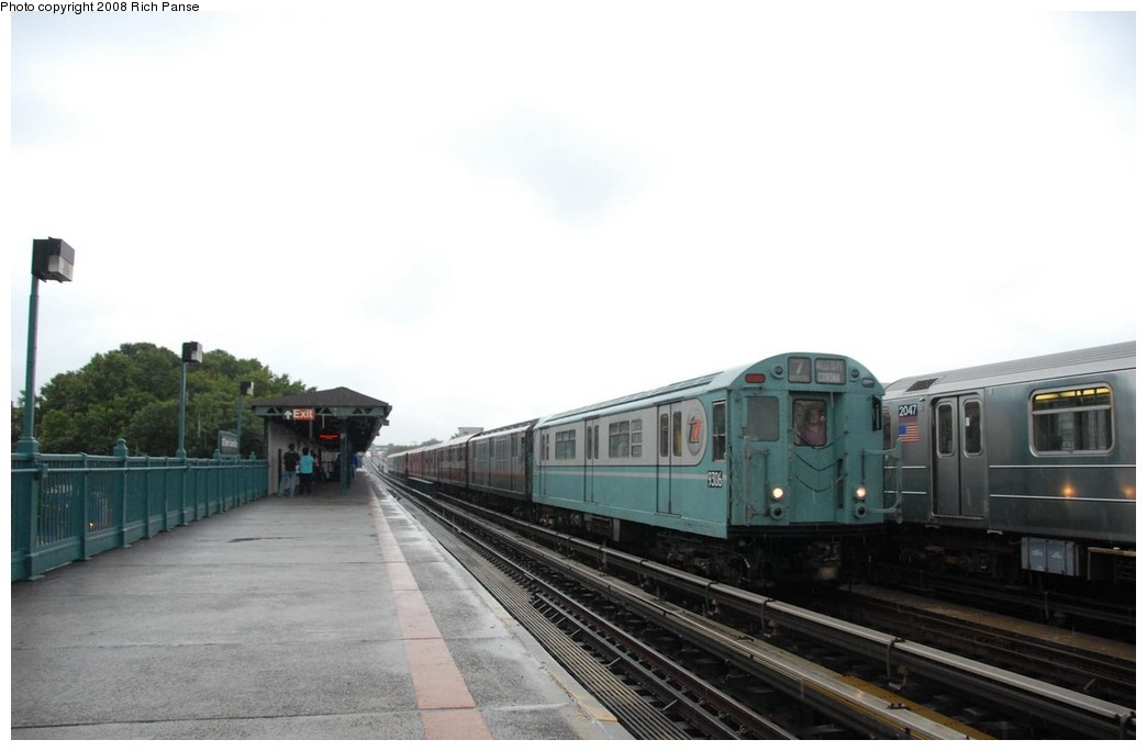 (113k, 1044x684)<br><b>Country:</b> United States<br><b>City:</b> New York<br><b>System:</b> New York City Transit<br><b>Line:</b> IRT Flushing Line<br><b>Location:</b> 103rd Street/Corona Plaza <br><b>Route:</b> Museum Train Service (7)<br><b>Car:</b> R-33 World's Fair (St. Louis, 1963-64) 9306 <br><b>Photo by:</b> Richard Panse<br><b>Date:</b> 9/28/2008<br><b>Viewed (this week/total):</b> 0 / 1429