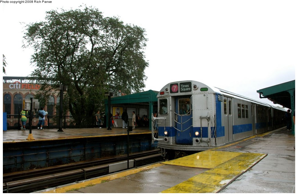 (187k, 1044x686)<br><b>Country:</b> United States<br><b>City:</b> New York<br><b>System:</b> New York City Transit<br><b>Line:</b> IRT Flushing Line<br><b>Location:</b> Willets Point/Mets (fmr. Shea Stadium) <br><b>Route:</b> Museum Train Service (7)<br><b>Car:</b> R-33 Main Line (St. Louis, 1962-63) 9010 <br><b>Photo by:</b> Richard Panse<br><b>Date:</b> 9/28/2008<br><b>Viewed (this week/total):</b> 5 / 1500