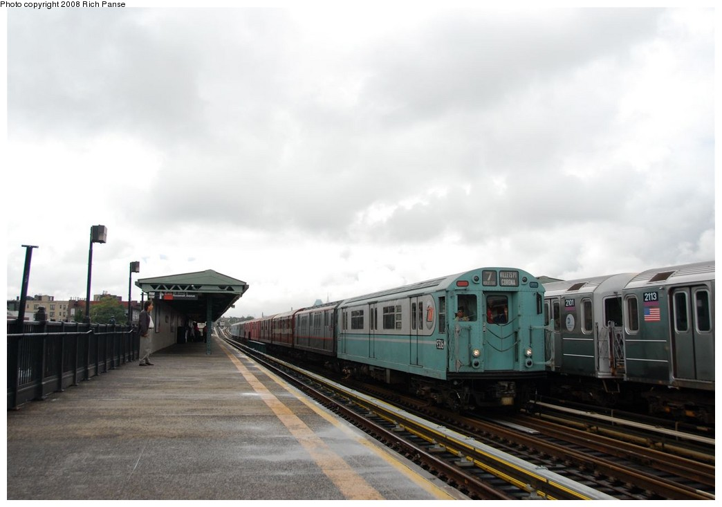 (130k, 1044x733)<br><b>Country:</b> United States<br><b>City:</b> New York<br><b>System:</b> New York City Transit<br><b>Line:</b> IRT Flushing Line<br><b>Location:</b> 69th Street/Fisk Avenue <br><b>Route:</b> Museum Train Service (7)<br><b>Car:</b> R-33 World's Fair (St. Louis, 1963-64) 9306 <br><b>Photo by:</b> Richard Panse<br><b>Date:</b> 9/28/2008<br><b>Viewed (this week/total):</b> 2 / 1151