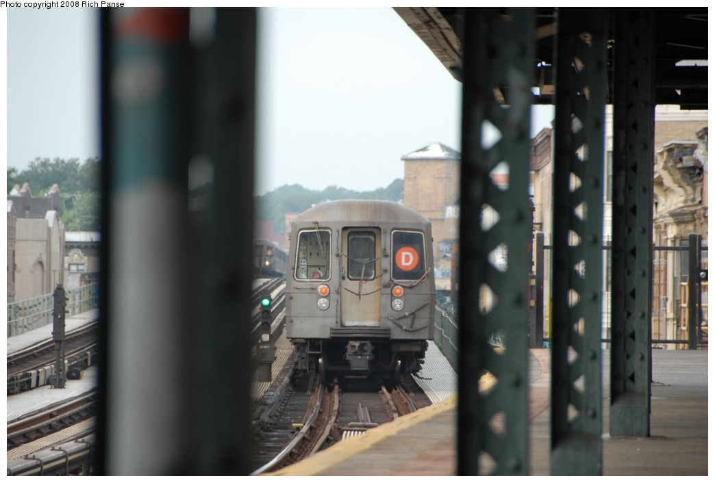 (154k, 1044x706)<br><b>Country:</b> United States<br><b>City:</b> New York<br><b>System:</b> New York City Transit<br><b>Line:</b> BMT West End Line<br><b>Location:</b> 55th Street <br><b>Route:</b> D<br><b>Car:</b> R-68 (Westinghouse-Amrail, 1986-1988)   <br><b>Photo by:</b> Richard Panse<br><b>Date:</b> 9/13/2008<br><b>Viewed (this week/total):</b> 2 / 1442
